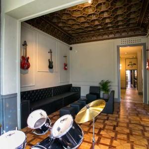 Sant Jordi Hostel Rock Palace-5